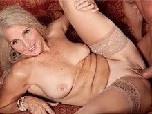 Salope de 55 ans baisée par le copain de son mari