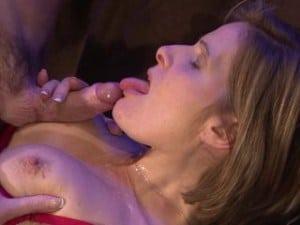 Porno reportage avec la reine des cougars :)